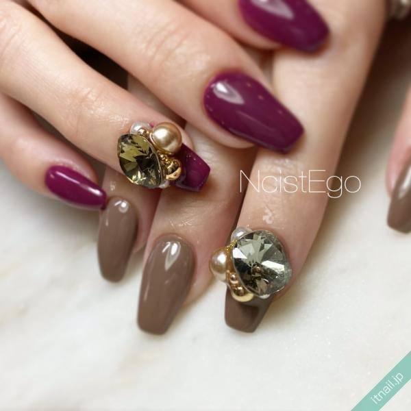 爪に宝石のような輝きを♡贅沢にのせた『3Dビジューネイル』