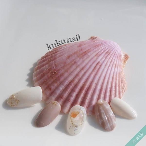 夏は【 貝殻モチーフネイル 】でリゾート気分を満喫しよう!