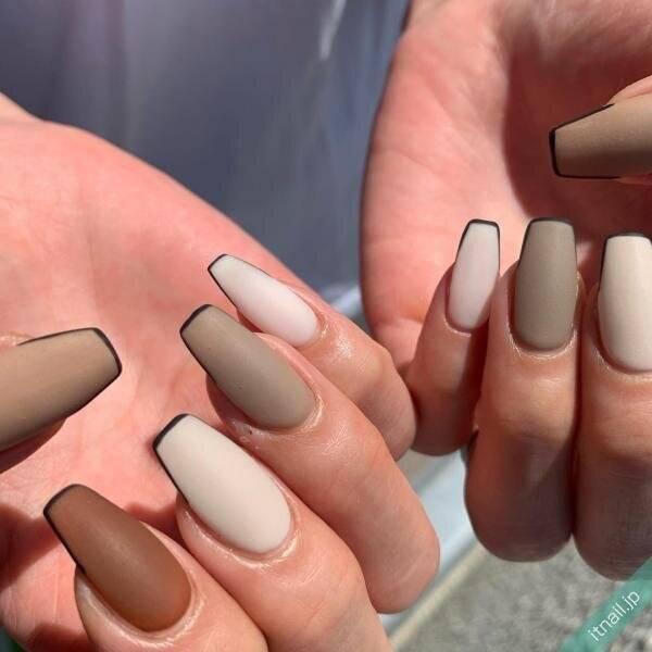 指先が魅力的。指長効果もあるバレリーナネイルで冬を楽しむ。
