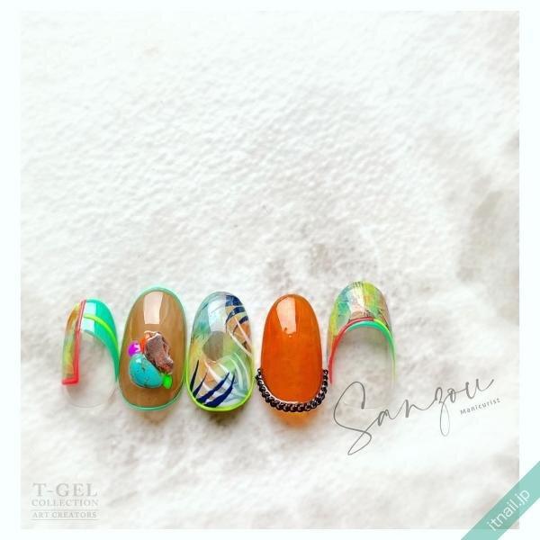 ねいる屋〜SANZOU〜が投稿したネイルデザイン [photoid:I0086860] via Itnail Design (641249)