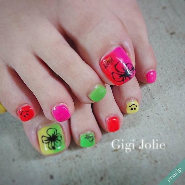 Gigi Jolieが投稿したネイルデザイン [photoid:I0072045] via Itnail Design (646364)