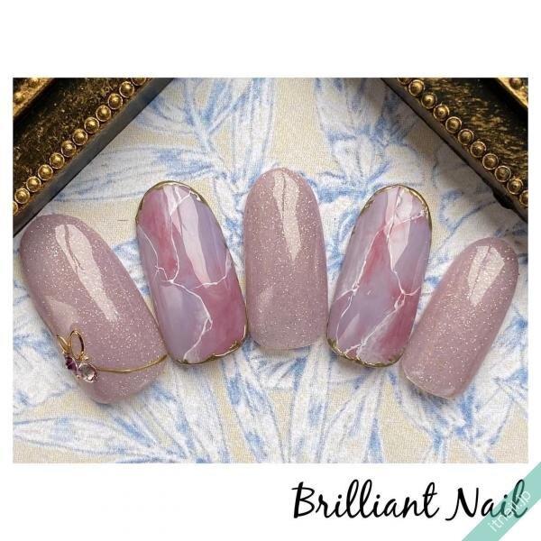 ピンクとパープルの天然石ネイル