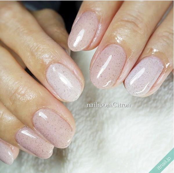 ピンクとグレーの砂ジェルネイル