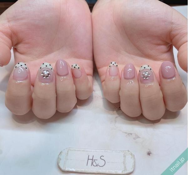 H&Sが投稿したネイルデザイン [photoid:I0098635] via Itnail Design (653140)